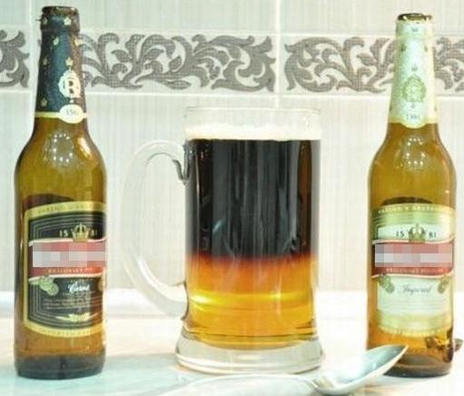 Как налить светлое и темное пиво не смешивая
