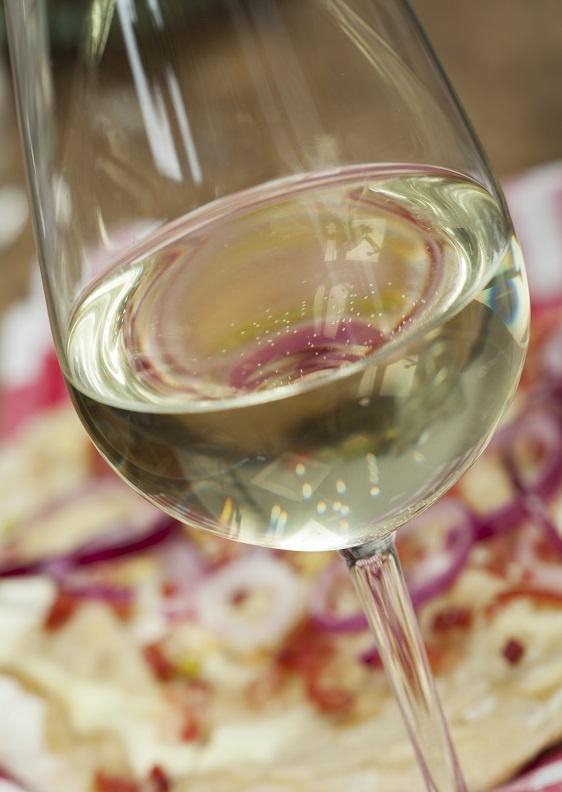 фото белого вина Гевюрцтраминер