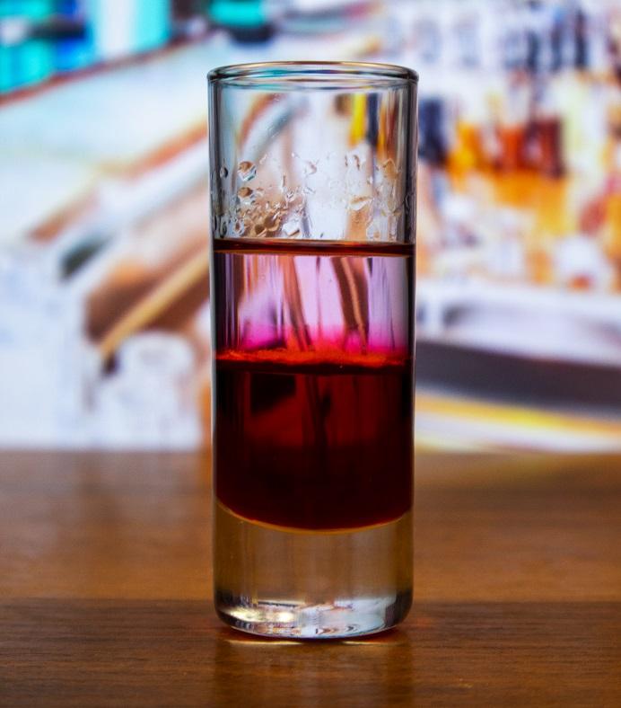 фото коктейля Боярский - водка с гренадином