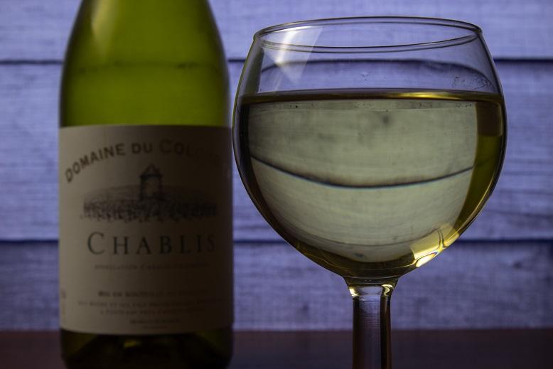 фото белого вина Шабли