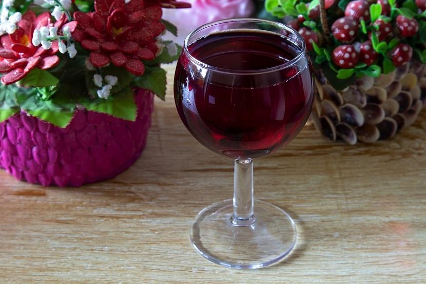 вторичное вино из виноградной мезги фото