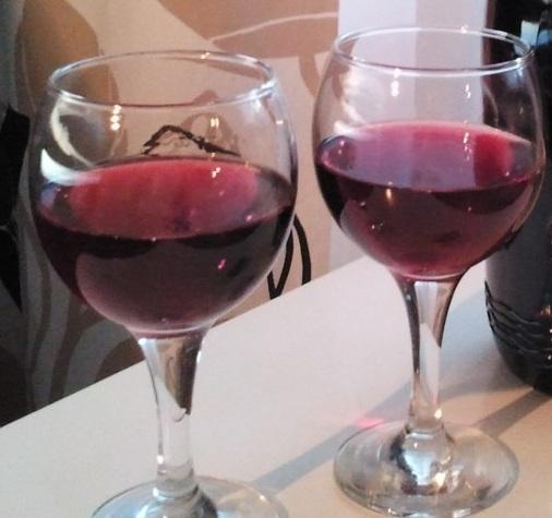 фото домашнего второго вина из винограда