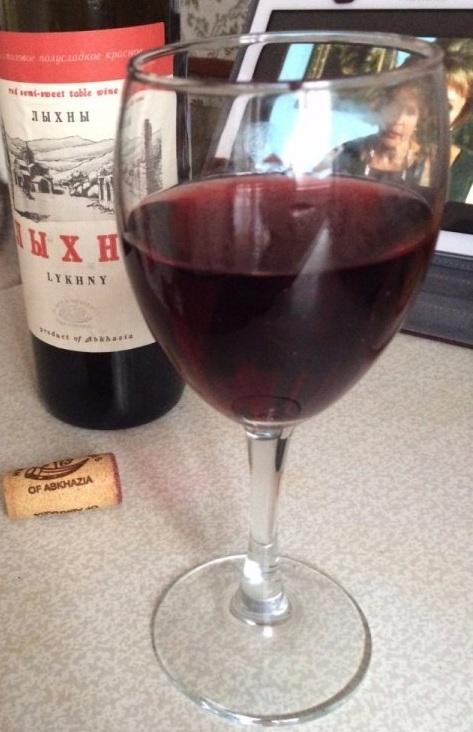 как пить вино Лыхны