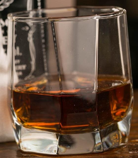 стакан для канадского виски