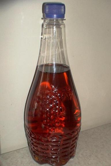 фото вина в пластмассовой бутылке