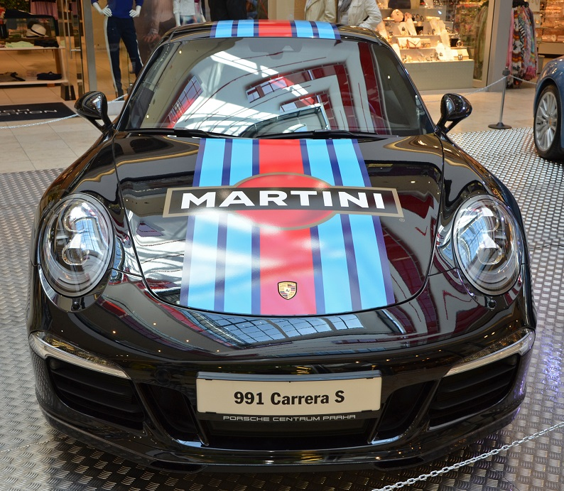 фото Порше Martini Edition