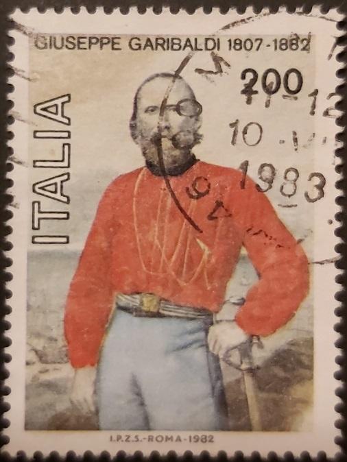 Джузеппе Гарибальди в легендарной красной куртке фото