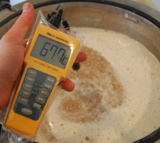 фото контроля температуры при варке пива