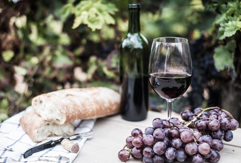 фото вина Лыхны в бокале