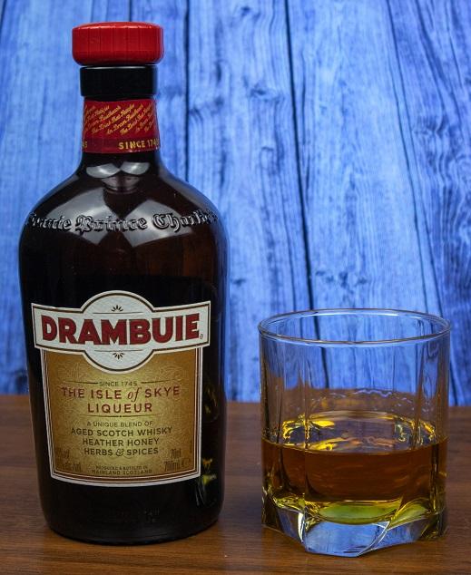 фото бутылки ликера Драмбуи