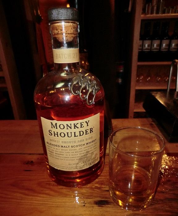фото бутылки виски Monkey shoulder