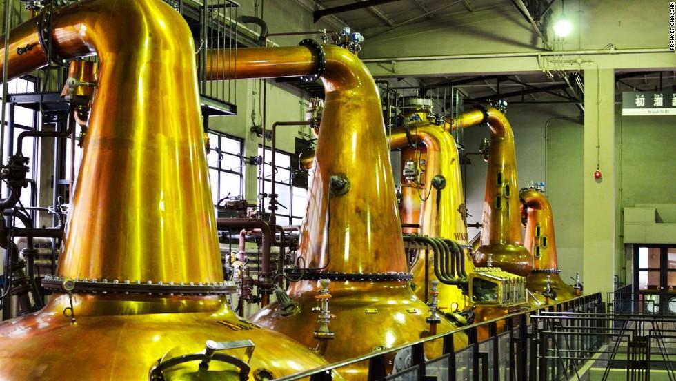 фото производства виски в Японии