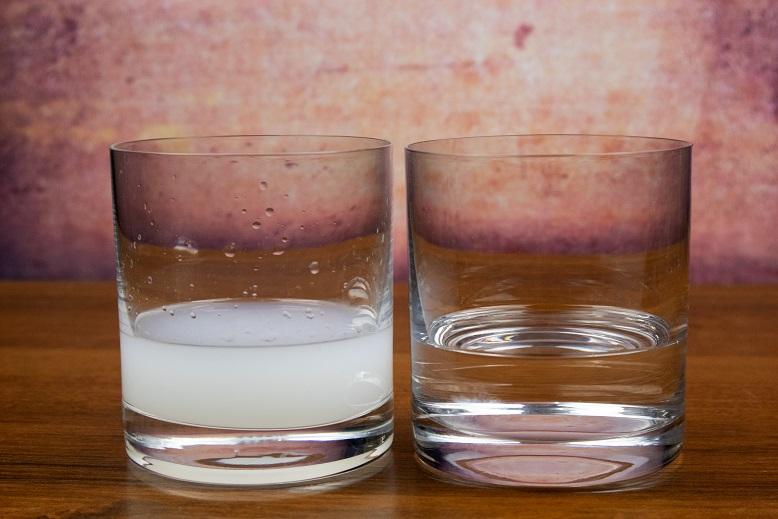 фото разбавленой водой самбуки