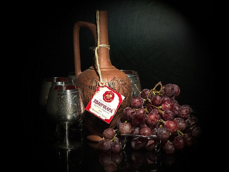 фото бутылки вина Хванчкара