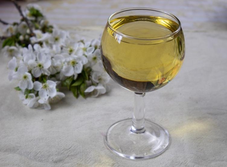 домашнее вино из цветков сирени фото