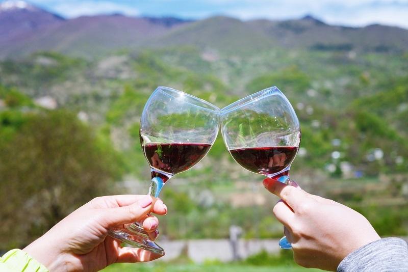 фото красного вина Хванчкара