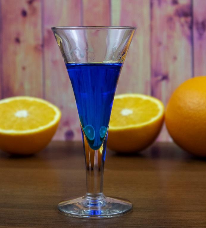 фото апельсинового ликера Blue Curacao