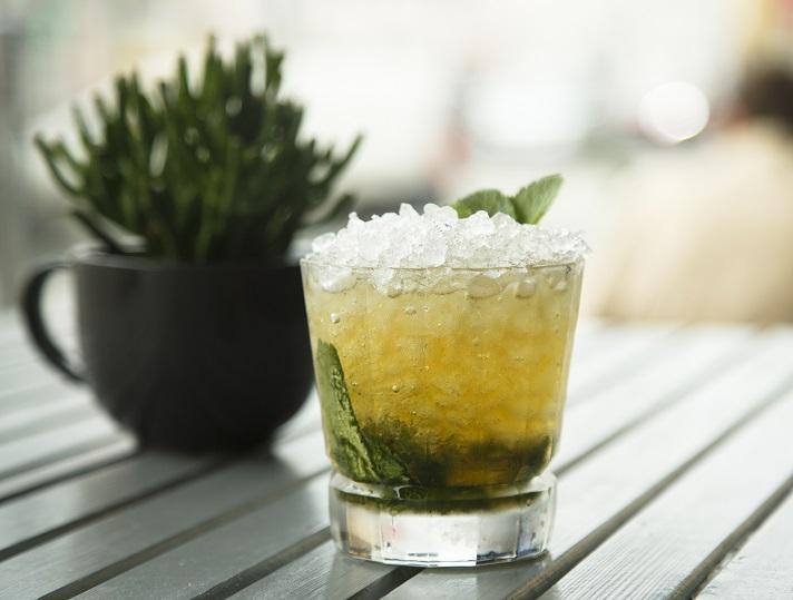 домашний коктейль мятный джулеп