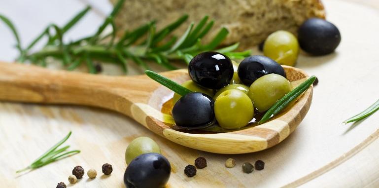 фото маслин и оливок для мартини