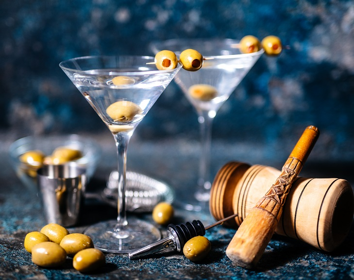 Цвет оливки для мартини
