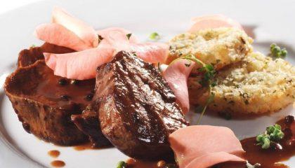 фото свинины, запеченной в красном вине