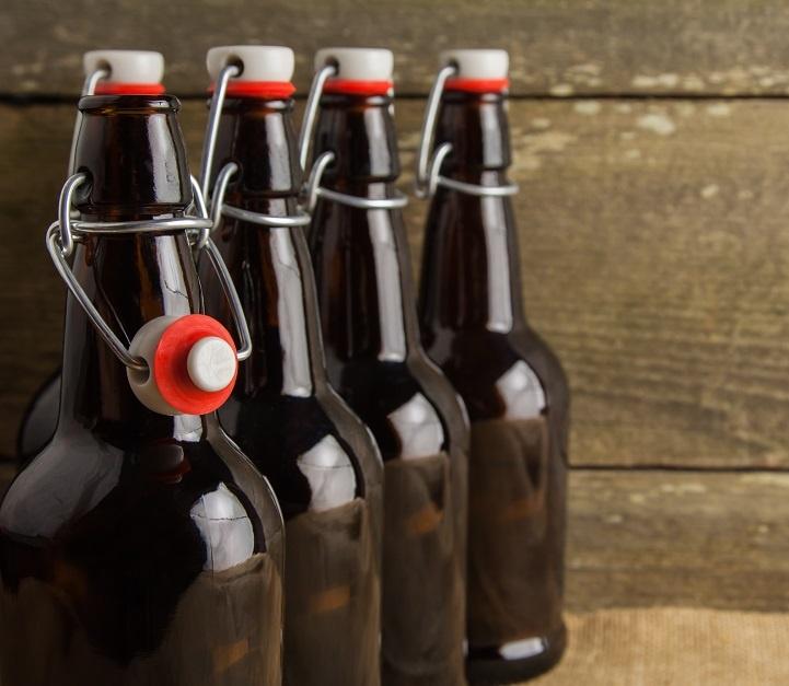 бутылки с бугельными пробками