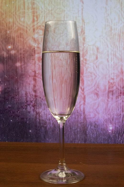 фото коктейля северное сияние (водка с шампанским)