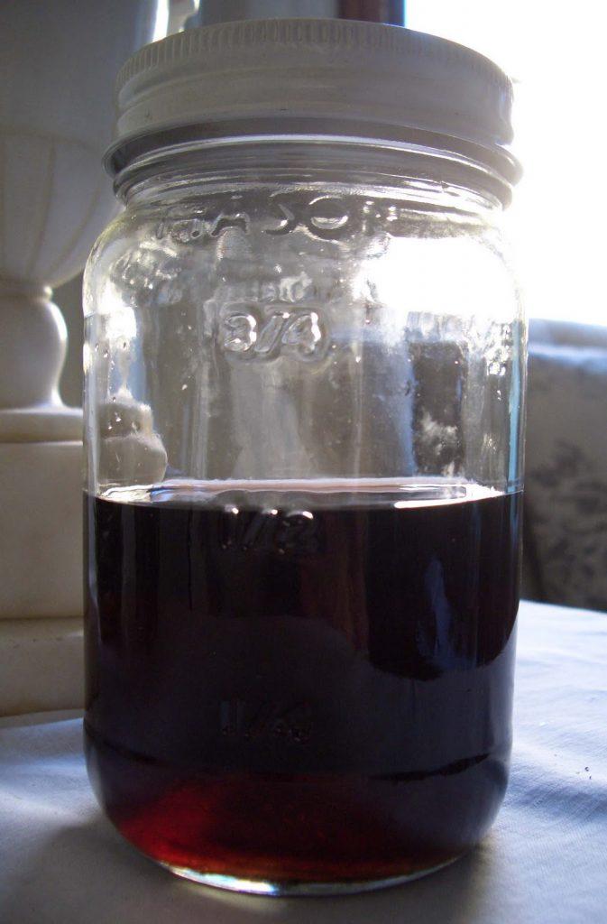 фото домашнего ликера из инжира (плодов виги)