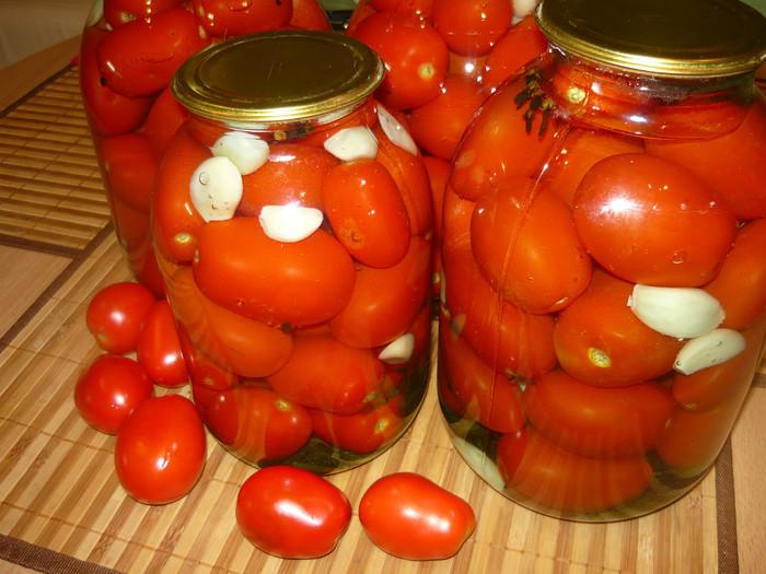 фото консервированных помидоров с водкой на зиму в банке