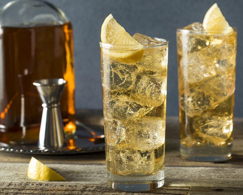 фото виски с имбирным лимонадом