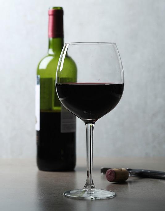 фото правильно бокала для вин Бордо