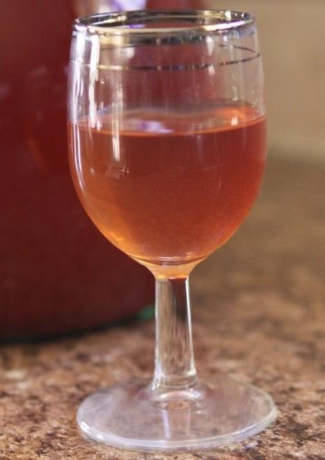 фото готового домашнего вина из хурмы