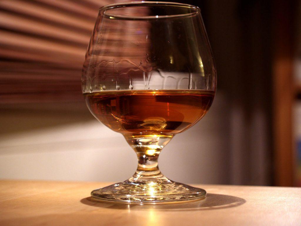 фото как правильно пить грузинский коньяк