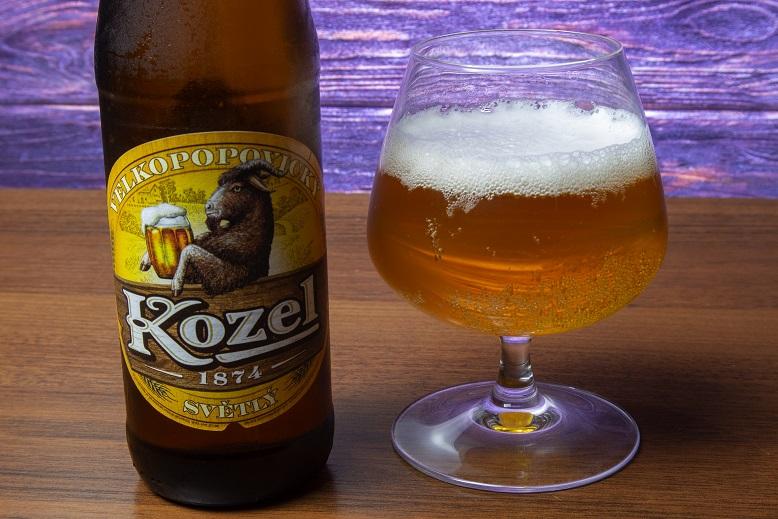 фото светлого пива Велкопоповицкий Козел