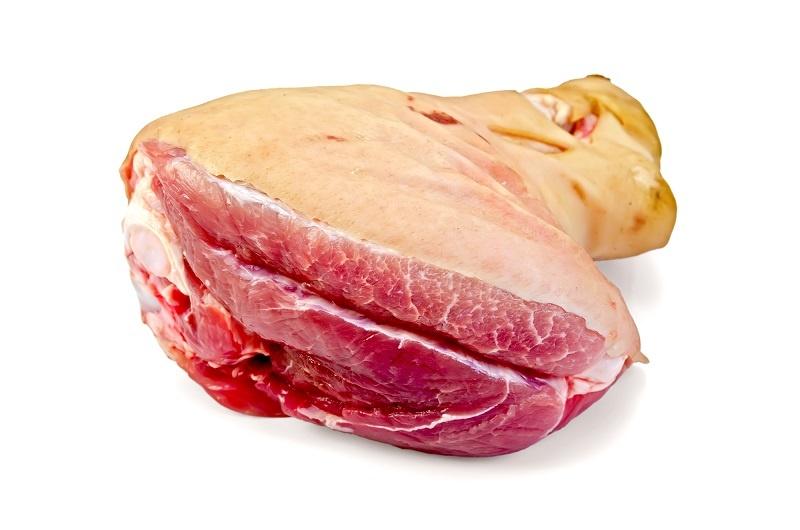 фото сырой свиной рульки
