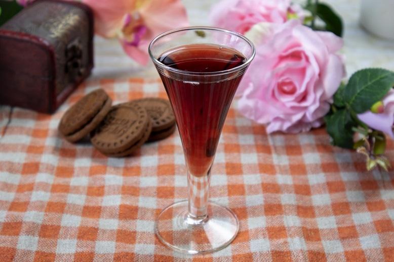 домашний ликер из ягод бузины фото