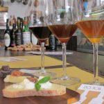 фото итальянского вина марсала и закуски