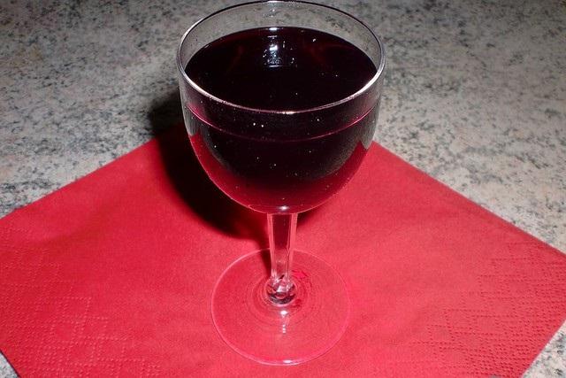 фото домашнего ликера из ягод бузины