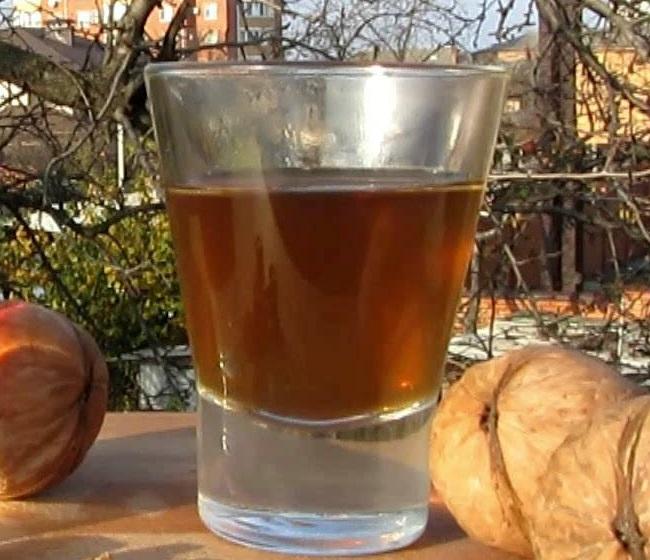фото наливки из грецких орехов в домашних условиях