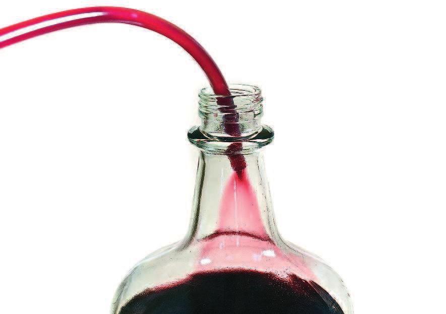 фото проветривания вина по стенке