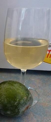 фото готового домашнего вина из фейхоа