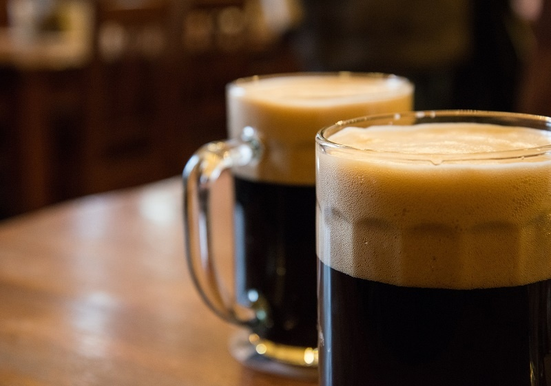 фото темного пива портер