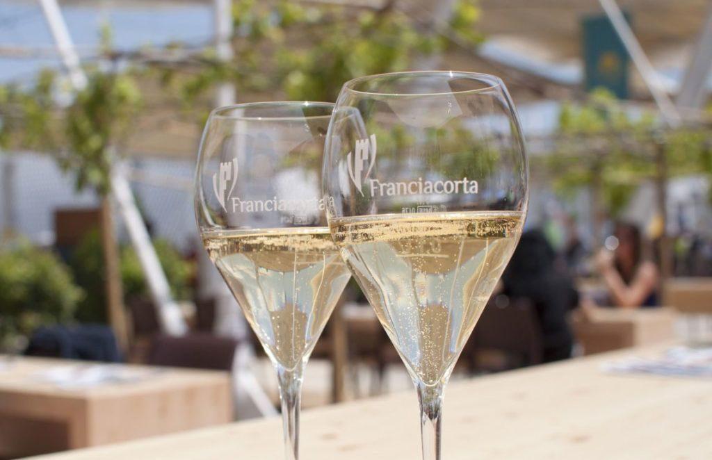 фото игристого вина Франчакорта