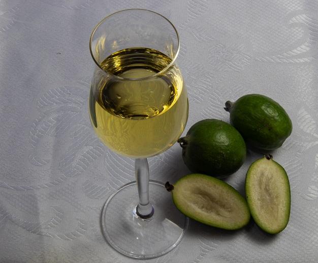 фото вина из фейхоа
