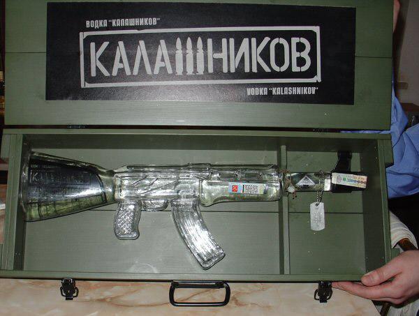фото бутылки водки в виде автомата Калашникова