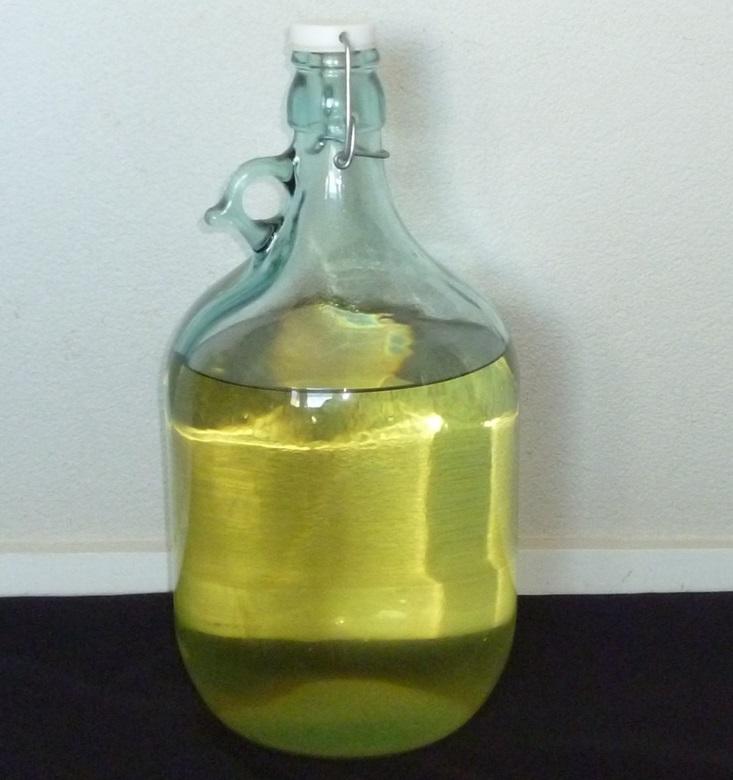 фото готового вина из киви
