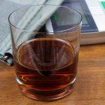 виски понижает или повышает давление