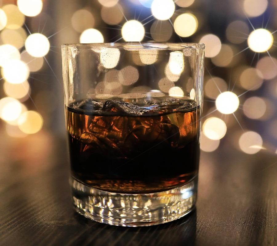 виски с колой при давлении