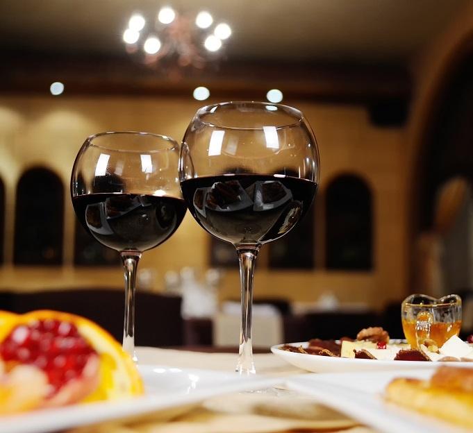 цвет вина пиросмани