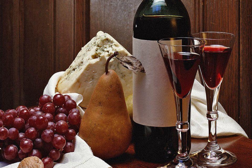 фото как правильно пить вино коммандария